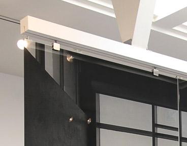 Glasklemmen - Glashalterung zur Führung von Glaspaneelen