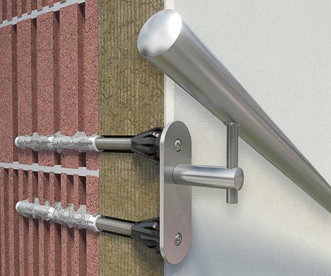 Handlaufhalter an gedämmter Fassade