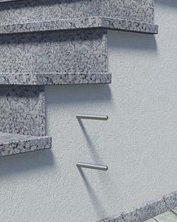 Geländerpfosten Montage seitlich mit Pfostenhaltern und Distanzstücken - Montageschritt 01