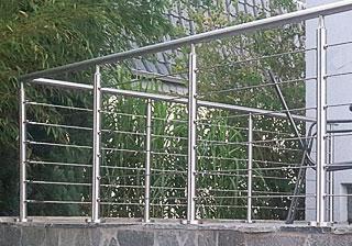 Edelstahl Drahtseil Befestigung - Beispiel Seilbefestigung an Edelstahlgeländer