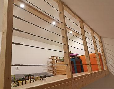 Kundenbild: Edelstahlseile an Holzbalkenkonstruktion