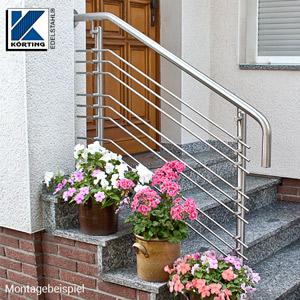 Treppengeländer an Eingangstreppe aus Edelstahl mit Querstreben